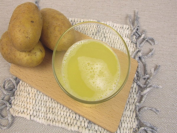 Lợi ích không ngờ từ việc uống nước ép khoai tây sống, hèn gì mà có nhiều phụ nữ da mịn dáng thon đến thế
