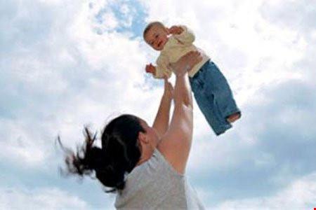 Rung lắc, đưa võng mạnh có thể làm trẻ tử vong - Ảnh 1