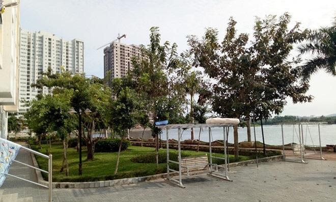 Công viên cạnh chung cư Lakeside, nơi được cho các bé gái bị ông Thủy xâm hại.  Ảnh: N.G.