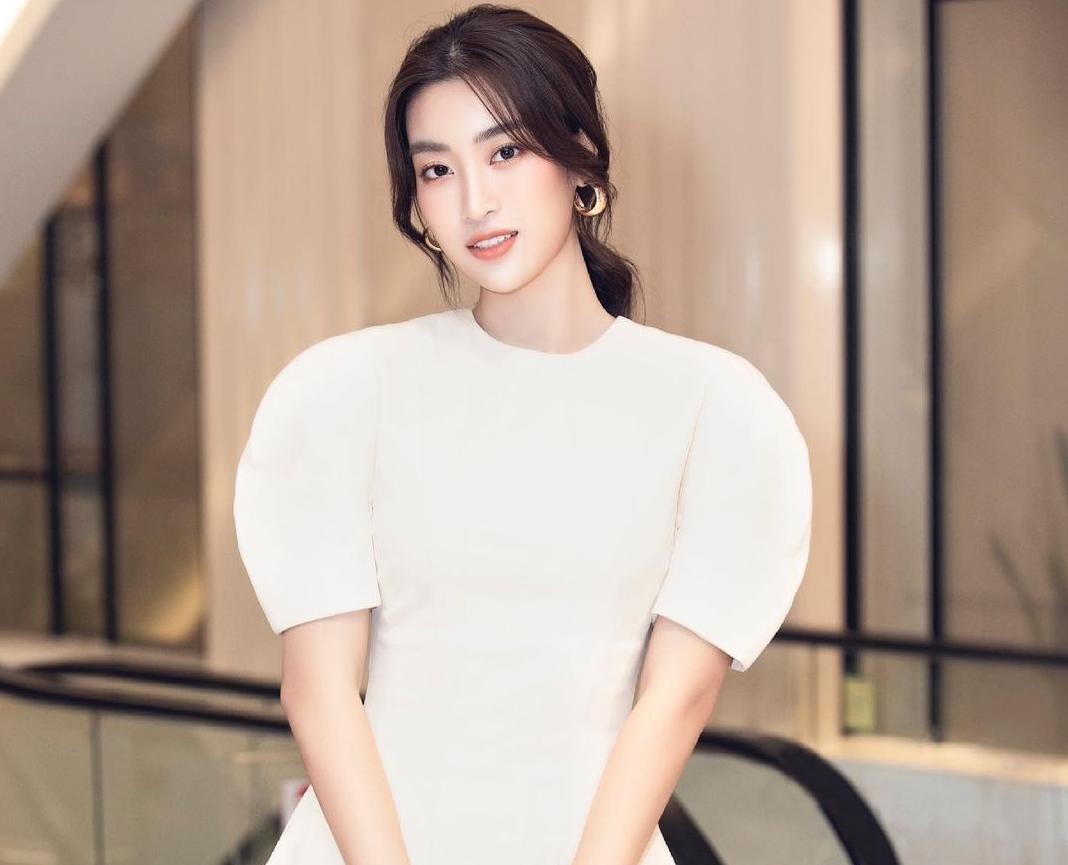 Hoa hậu Đỗ Mỹ Linh vừa khoe đã tiêm vaccine Mordena nhưng bất ngờ xoá vội