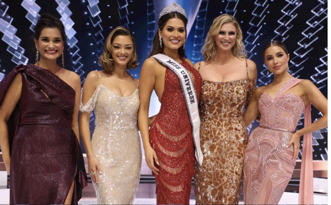 5 nàng hậu Miss Universe hội tụ tạo ra khung hình toàn đệ nhất mỹ nhân: Ai cũng visual đỉnh chóp, khó lòng phân thắng bại