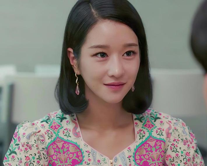 Seo Ye Ji biến hóa khôn lường với 5 kiểu cực sang khi để tóc bob, chị em học theo thì dễ ăn điểm xịn mịn - Ảnh 5