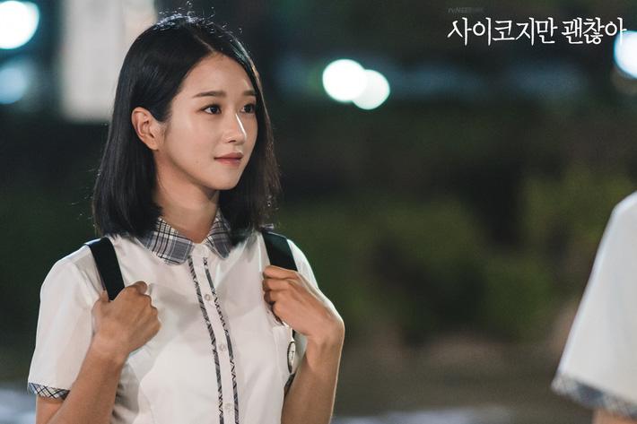 Seo Ye Ji biến hóa khôn lường với 5 kiểu cực sang khi để tóc bob, chị em học theo thì dễ ăn điểm xịn mịn - Ảnh 3