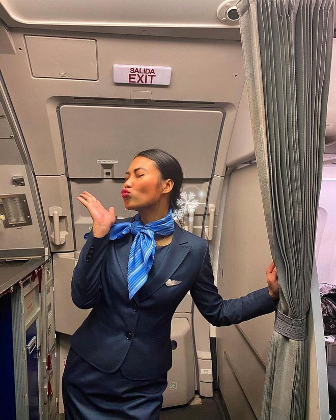 Gái xinh 'khai' hết sướng khổ của tiếp viên hàng không, từng bật khóc vì khách trêu: 'Sao da đen thế mà cũng được làm?' - Ảnh 2