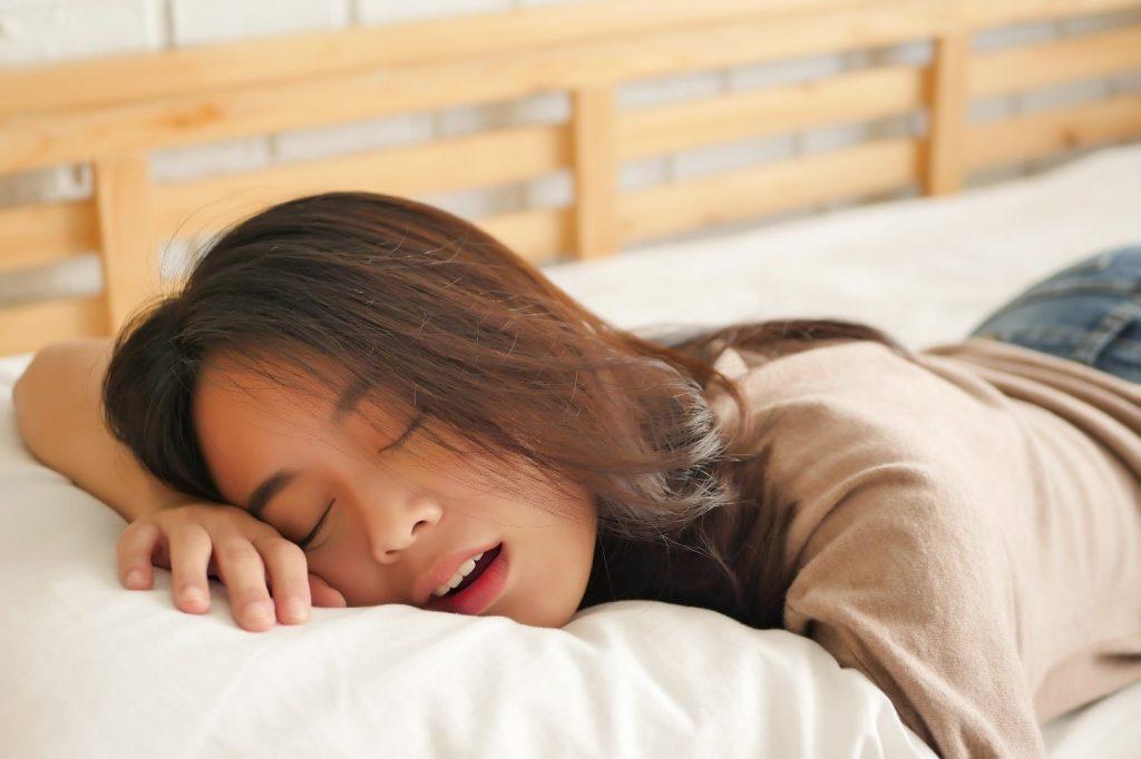 Những người tuổi thọ ngắn sẽ có 4 biểu hiện này khi thức dậy buổi sáng, nếu bạn không điểm nào nghĩa là cơ thể thực sự khỏe mạnh - Ảnh 2