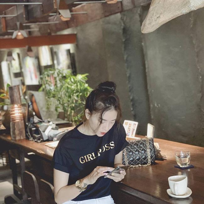 Kiểu tóc búi khiến nàng 30+ nào cũng rén, nhưng Ngô Thanh Vân 42 tuổi vẫn áp dụng 'ngon nghẻ' - Ảnh 2