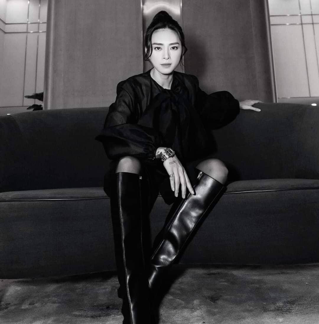 Kiểu tóc búi khiến nàng 30+ nào cũng rén, nhưng Ngô Thanh Vân 42 tuổi vẫn áp dụng 'ngon nghẻ' - Ảnh 7