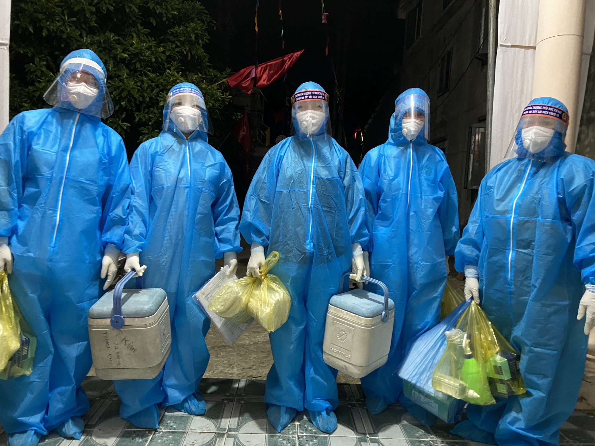 Hà Tĩnh ghi nhận thêm 11 trường hợp dương tính SARS-CoV-2 - Ảnh 1