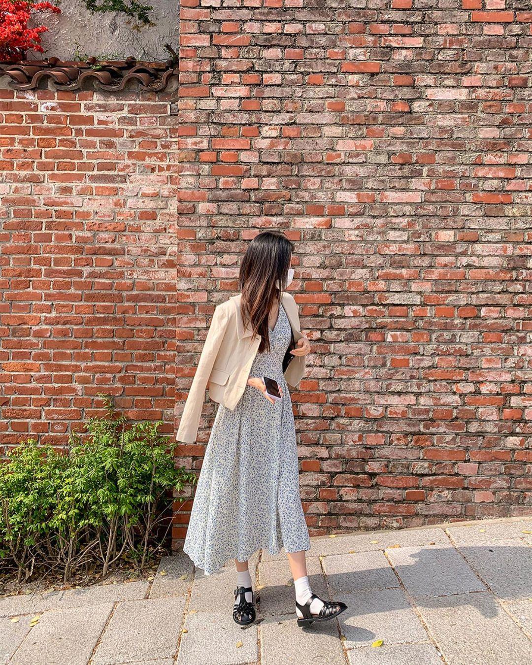 10 công thức diện váy hoa xinh mê tơi từ hội gái Hàn, phải lưu ngay để Hè này còn áp dụng - Ảnh 7