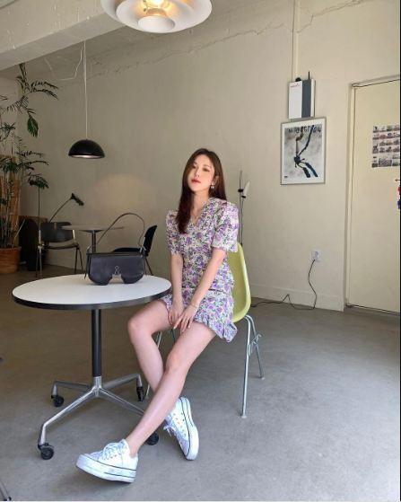 10 công thức diện váy hoa xinh mê tơi từ hội gái Hàn, phải lưu ngay để Hè này còn áp dụng - Ảnh 2