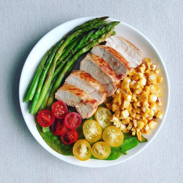 5 mẹo kiểm soát khẩu phần ăn giúp bạn giảm cân hiệu quả mà không bị đói - Ảnh 1