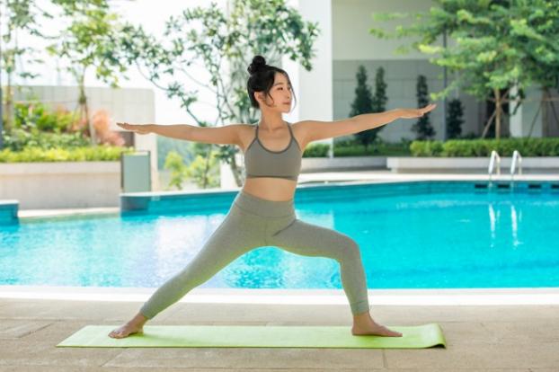 5 tư thế yoga giúp bạn giảm cân nhanh không kém tập gym - Ảnh 3
