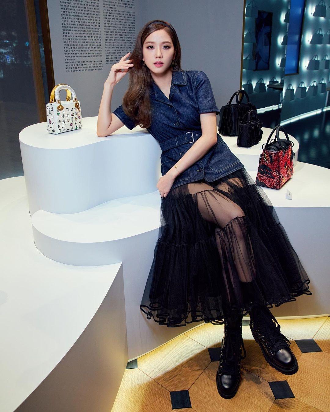 Jisoo – Suzy so kè cực gắt: Chị cả BLACKPINK bị chê 'một màu', tình đầu quốc dân biến hóa thế nào? - Ảnh 4