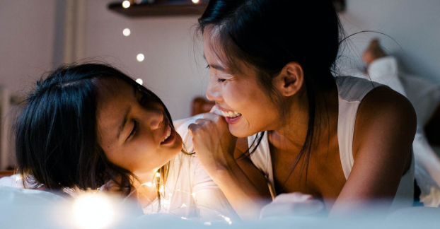 7 câu hỏi quan trọng cha mẹ nên hỏi con trước khi đi ngủ