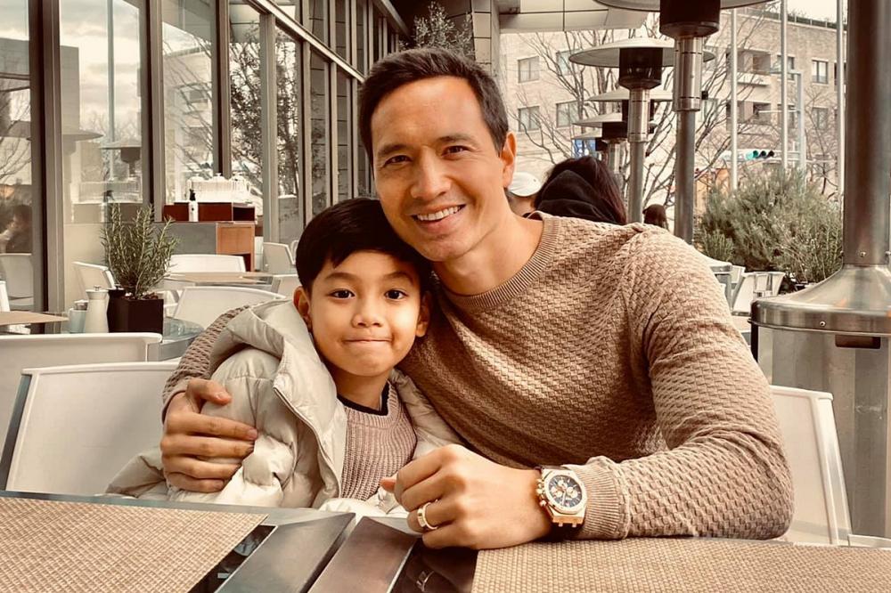 Cách sao Việt lấy lòng con riêng: Kim Lý có tuyệt chiêu; Ưng Hoàng Phúc bằng tấm lòng