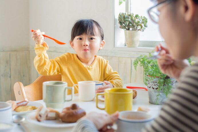 3 lầm tưởng về chế độ dinh dưỡng đe dọa sức khỏe của trẻ trong mùa dịch