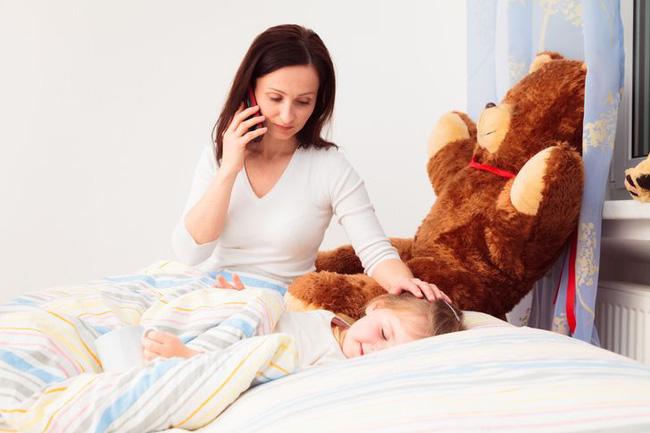 """10 điều bố mẹ cần """"bỏ túi"""" để đảm bảo an toàn cho con trong chính nhà mình, nhất là những người lần đầu làm cha mẹ"""