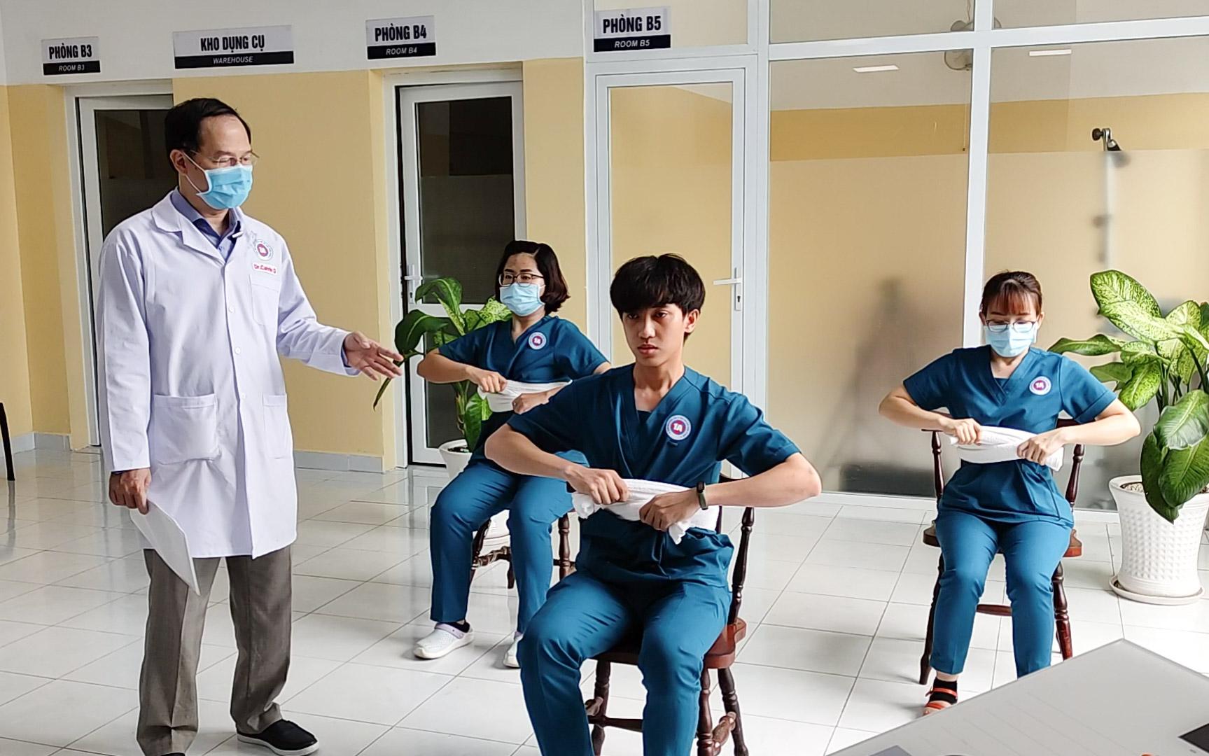 Bác sĩ hướng dẫn 7 bài tập phục hồi chức năng phổi cho người nhiễm COVID-19