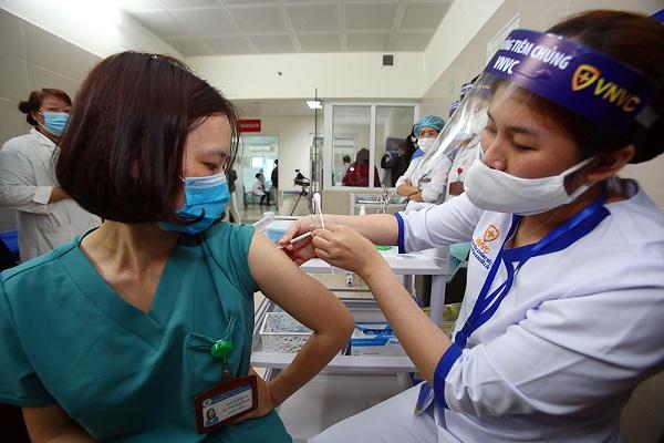 Không có ca mắc mới, hơn 52.000 người Việt Nam đã tiêm vắc xin COVID-19