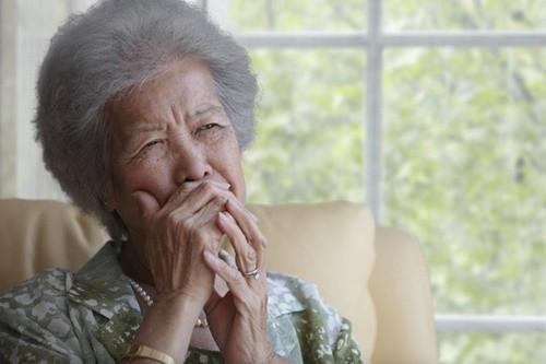 Những kiểu cha mẹ điển hình không được con cái báo hiếu, phải sống trong sự cô đơn khi về già