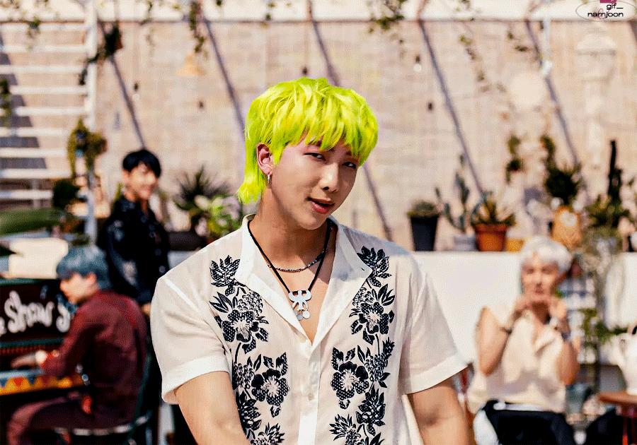 BTS quay lại đường đua âm nhạc với tạo hình 'độc lạ', dân mạng liên tưởng tới HKT đình đám một thời - Ảnh 3
