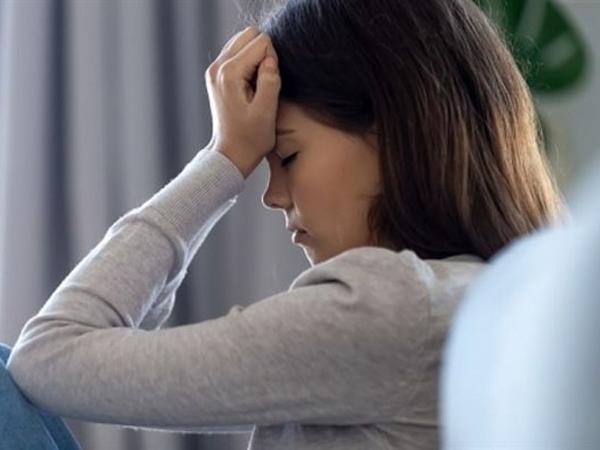 3 dấu hiệu chứng tỏ bạn đang cảm thấy bất an về tình yêu, cần thay đổi ngay còn kịp