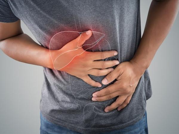 4 dấu hiệu cho thấy có thể bạn đang mắc bệnh gan, cần đi khám ngay