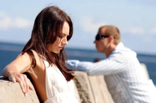 4 kiểu im lặng âm thầm phá vỡ hạnh phúc gia đình các cặp vợ chồng cần tránh tuyệt đối - Ảnh 2