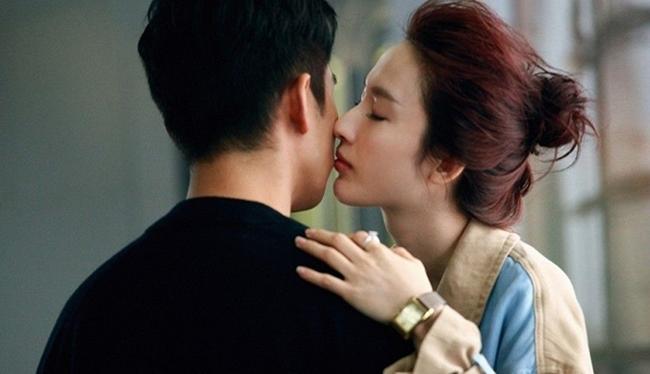 6 điều đàn bà thường làm với chồng khi ngoại tình, đàn ông tinh ý 'lướt qua' là biết - Ảnh 1