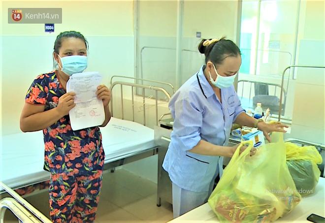 Niềm vui của bệnh nhân Covid-19 vừa xuất viện ở Đà Nẵng: 'Cảm ơn các y bác sĩ đã sinh ra chúng tôi lần 2!' - Ảnh 3