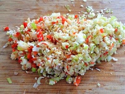 Cách làm món ốc bươu xào sả ớt giòn sật lai rai ngày cuối tuần - Ảnh 2