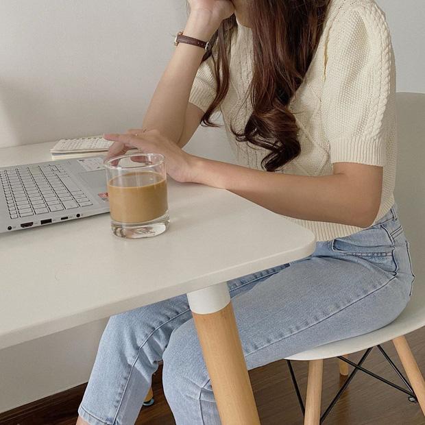 Ngắm 10 mẫu áo len cộc tay xinh chuẩn Hàn này, bạn sẽ muốn sắm bằng hết để diện dần - Ảnh 5