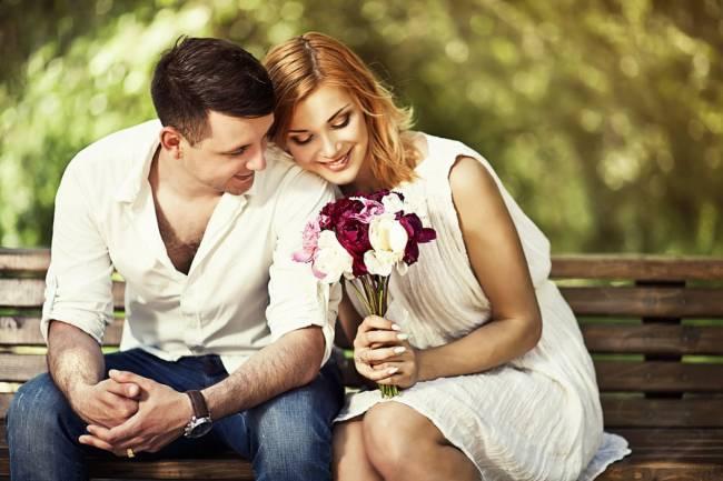 Cách bày tỏ tình cảm yêu thương vợ chồng mỗi ngày - Ảnh 2