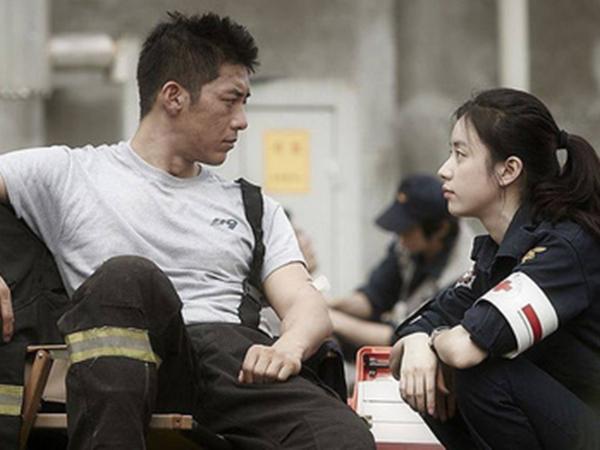 """Câu chuyện đặc biệt của một người lính cứu hỏa: Đôi khi đàn ông cũng yếu đuối lắm, chỉ một câu nói thế này cũng đủ làm """"nữ thần"""" trong lòng họ rồi"""