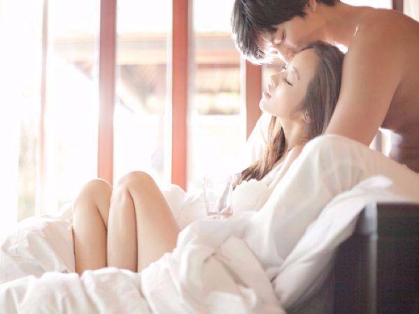 5 dấu hiệu chứng tỏ vợ chồng 'thỏa mãn' nhau về chuyện ấy - Ảnh 3