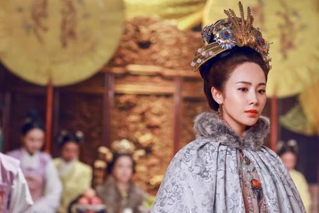 Có nhiều khiếm khuyết thân thể nhưng vị Hoàng hậu này vẫn được Đế vương yêu thương hết lòng bởi điều không phải ai cũng làm được - Ảnh 1