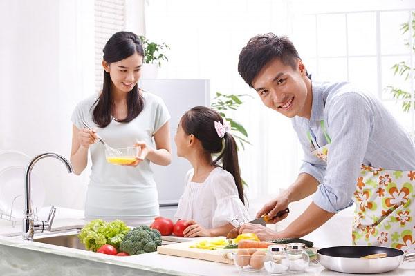 Có thể bạn không tin: Đàn ông càng làm nhiều việc nhà, hôn nhân càng dễ đổ vỡ - Ảnh 2