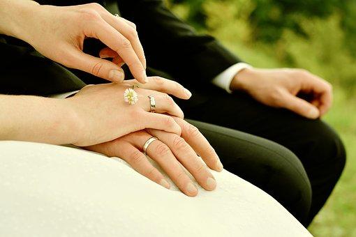 Yêu 10 năm không cưới, mới gặp 2 tháng đã thành vợ chồng, nhân duyên chính là vậy… - Ảnh 1