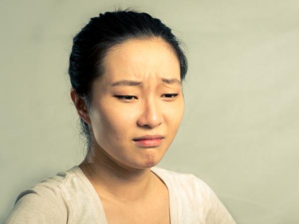 Mẹ chồng tối ngày đày đọa chuyện cháu dị tật, tôi tức nước vỡ bờ nói một câu khiến bà điên loạn dọa tự tử