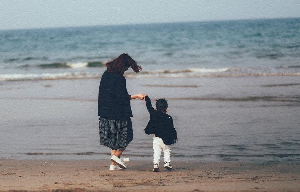 Nếu bạn là mẹ đơn thân nuôi con trai một mình, đừng quên những điều quan trọng này! - Ảnh 1