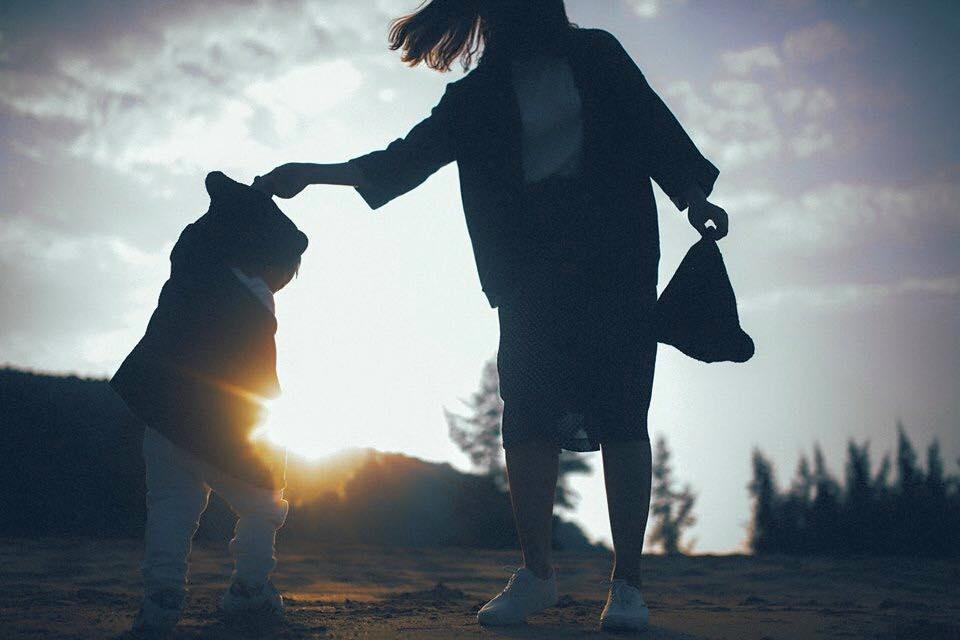 Bản năng làm mẹ trỗi dậy, người phụ nữ đứng vững nuôi hai con - Ảnh 3