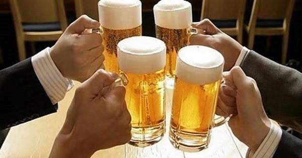 Nâng cốc bia, cốc rượu lên anh có nghĩ tới gia đình không? - Ảnh 2
