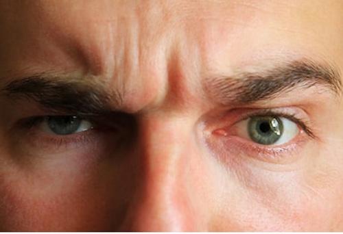 6 'dấu vết' bạc tình bạc nghĩa trên khuôn mặt đàn ông dễ ngoại tình - Ảnh 2