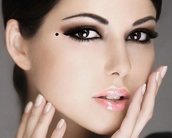 4 vị trí nốt ruồi chính là 'bùa yêu' của người phụ nữ, dù không xinh đẹp vẫn trăm ngàn người theo đuổi - Ảnh 1