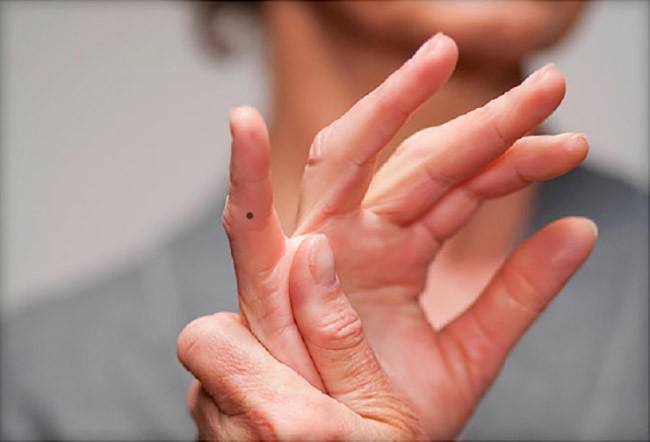 Phụ nữ có nốt ruồi trên các ngón tay sẽ gặp may mắn hay là vận xui? - Ảnh 5