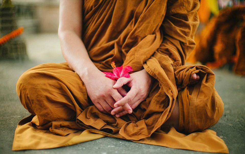 Phật dạy: 4 điều làm nên tình yêu đích thực, điều thứ 4 là quan trọng nhất - Ảnh 1