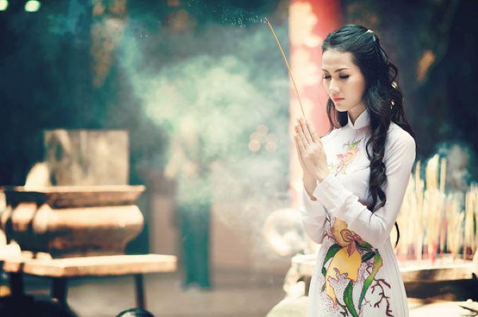 Phụ nữ nên đi chùa vào mùng mấy để suốt năm tình duyên phơi phới, tiền tài tấn tới?