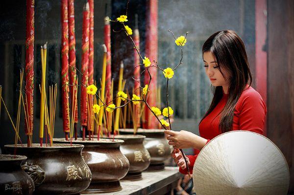 Phụ nữ nên đi chùa vào mùng mấy để suốt năm tình duyên phơi phới, tiền tài tấn tới? - Ảnh 1