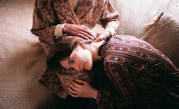 Tâm thư mẹ gửi con gái: 'Khi tình yêu không hạnh phúc, hãy chủ động là người rũ bỏ' - Ảnh 3