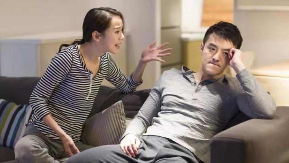 Vợ giận ôm con về ngoại, tôi kệ vì nghĩ 'vợ xấu cần gì giữ', chẳng ngờ tháng sau nghe cô ấy gọi điện báo một tin điếng người - Ảnh 1